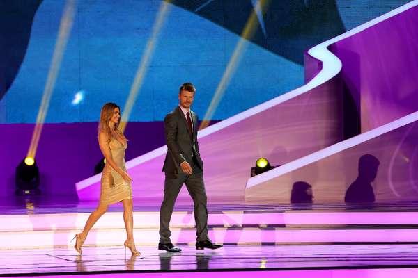 Mesmo questionada, Fernanda Lima foi um dos destaques do sorteio dos grupos para a Copa do Mundo de 2014: a apresentadora esbanjou sorrisos e desenvoltura no palco, escapou de gafes e conduziu o evento até o fim ao lado de grandes nomes do futebol mundial