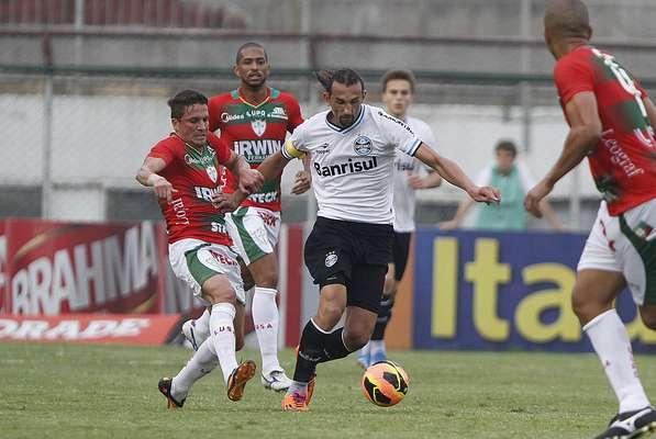 Portuguesa e Grêmio empataram sem gols neste domingo, no Canindé