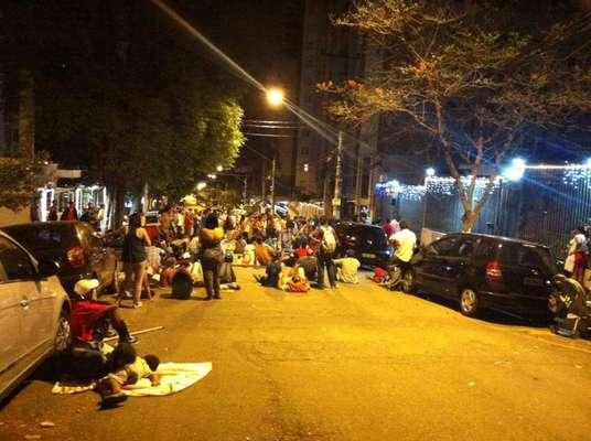 Um grupo de cerca de 200 manifestantes realizou um protesto por moradia na madrugada desta terça-feira em frente à casa do prefeito de São Paulo, Fernando de Haddad (PT), na região do Paraíso, zona sul da capital paulista