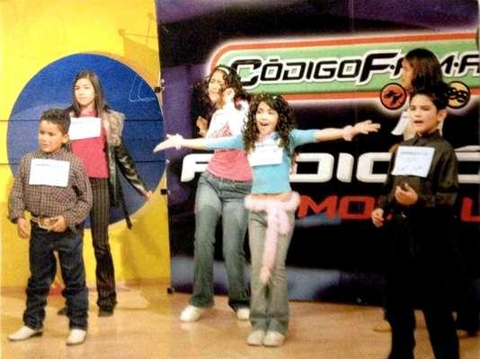 Codigo F.A.M.A., producido por Televisa en 2001, fue el primer reality show infantil en el país. Las siglas significan: fuerza, aventura, música y acción. De sus participantes surgieron algunos famosos, como Diego Boneta (cuando se llamaba Diego González) y Allison Lozz.