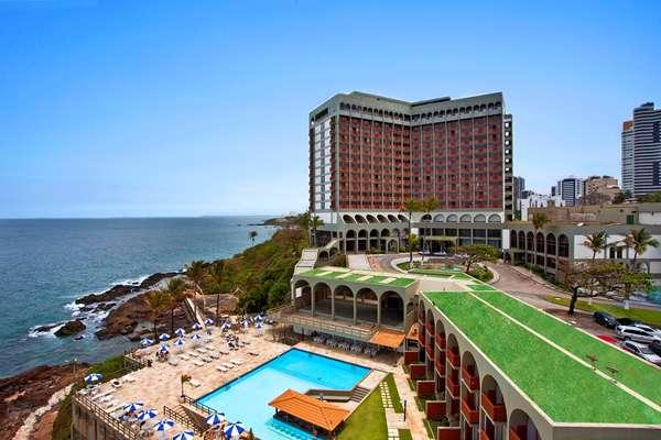 Salvador (BA)Pacotes de três ou quatro noites no hotel Bahia Othon Palace com ceia especial de Ano-Novo custam entre R$ 1.905 e R$ 4.660 por pessoa. Reservas: (21) 2106-0200 / 0800 725 0505