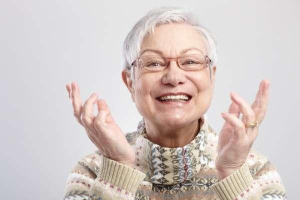 Nunca é tarde para cuidar da saúde bucal. Os idosos ainda sofrem com as consequências de uma vida de negligência com os dentes. Mas em apenas cinco passos, é possível ter uma relação saudável com sua boca na terceira idade