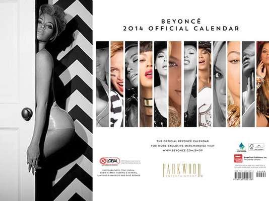 """Beyoncé es una de las famosas que ha programado su propio calendario 2014. Ella lo anunció diciendo en su página de Facebook: """"El nuevo año está por llegar, entonces es época de prepararte con el primer calendario oficial jamás hecho por Beyoncé. Deja que Beyoncé te ayude a programar tus actividades día a día con su nuevo calendario 2014. Cada mes tiene una linda y única foto de Beyoncé. Resulta ser un regalo ideal para familiares y amistades"""", concluye el comentario en la cuenta de la artista."""