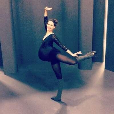 A americana Mary Helen Bowers, de 34 anos, é bailarina e continua a treinar mesmo grávida de 39 semanas