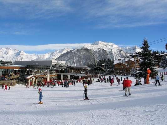 Uma das atrações para quem deseja esquiar na Europa é a estação de Courchevel. Ela é divida em três altitudes: 1550, 1650 e 1850 metros