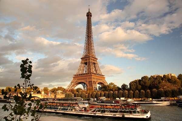 Para visitar a turismo o país europeu hoje não é preciso de visto, pois ele é concedido pelas autoridades na chegada ao país