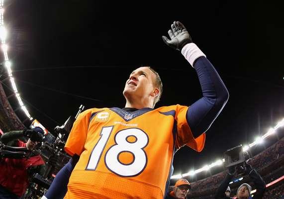 As semifinais de domingo da NFL terminaram com destaque para Peyton Manning que, com atuação segura, colocou o Denver Broncos na final da AFC para enfrentar o New England Patriots