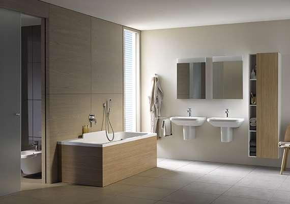 Projeto mostra a banheira da grife alemã Duravit, a partir de R$ 10.700 (estão inclusos a banheira e o painel que envolve e decora o produto do lado de fora). Informações: (11) 5906-9090