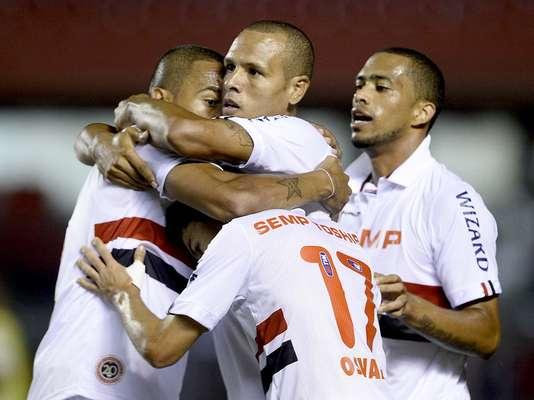 Com grande atuação de Luís Fabiano, São Paulo aplicou goleada de 6 a 3 no Rio Claro pela quarta rodada do Campeonato Paulista