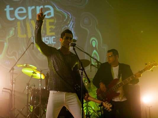 ¡FE-NO-ME-NAL! Es la palabra correcta para describir el show de Rigú, quien dejó el alma en la tarima de Terra Live Music durante el que fue su primer concierto transmitido de manera online.