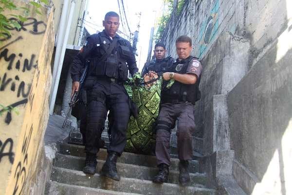 Seis suspeitos foram mortos durante operação da Polícia Militar no morro do Juramento, na manhã desta terça-feira, no Rio de Janeiro
