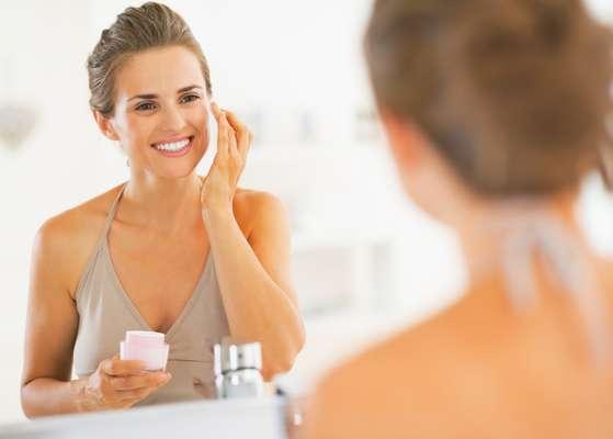 Prestes a ser lançado no mercado, EE Cream promete limpar profundamente o tecido cutâneo por meio da esfoliação feita pelos grânulos presentes em sua composição
