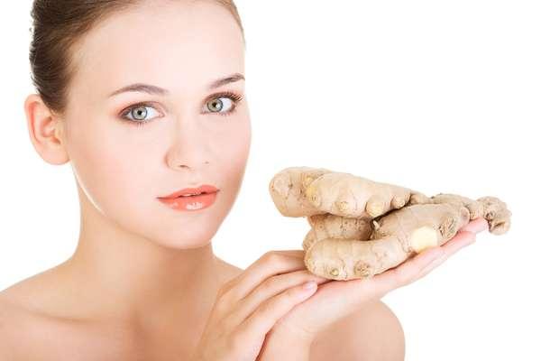 Gengibre tem ação diurética e é considerado um alimento termogênico, capaz de fazer com que o corpo gaste mais energia mesmo estando parado