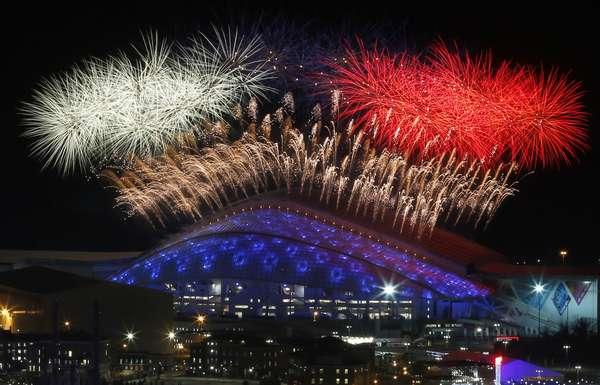 Os Jogos de Inverno de 2014 oficialmente começaram: nesta sexta-feira, a cidade de Sochi celebrou o início da Olimpíada com uma grandiosa Cerimônia de Abertura no Estádio Olímpico de Fisht