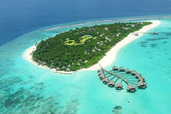 Localizado no Oceano Índico, a sudoeste da Índia, o conjunto de ilhas sofre com o aquecimento global, mas ainda é paradisíaco