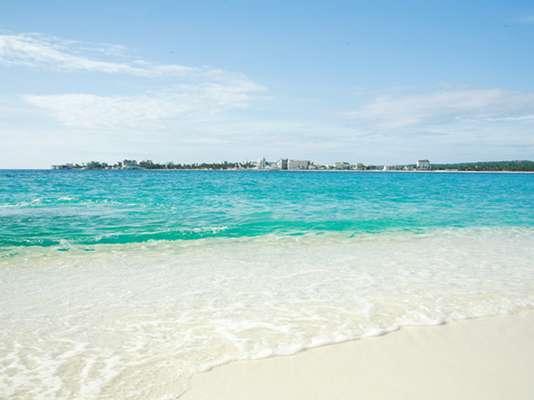 A Proexport Colômbia, organização de promoção do turismo no país, quer atrair 4 milhões de turistas de todo o mundo neste ano. Na foto, uma de suas belezas que atraem os brasileiros: praia de San Andrés