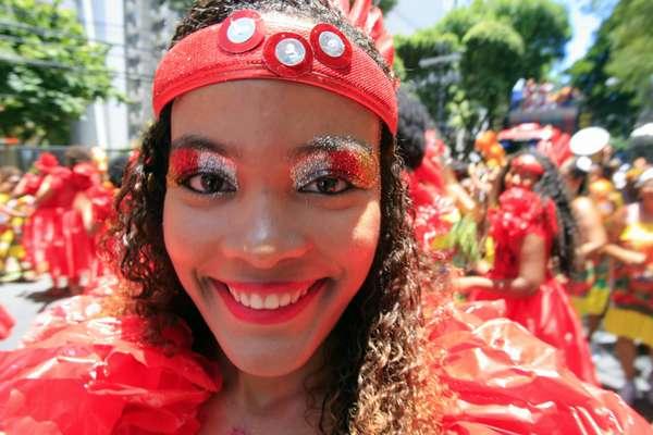 Foliões se divertem no Campo Grande em Salvador
