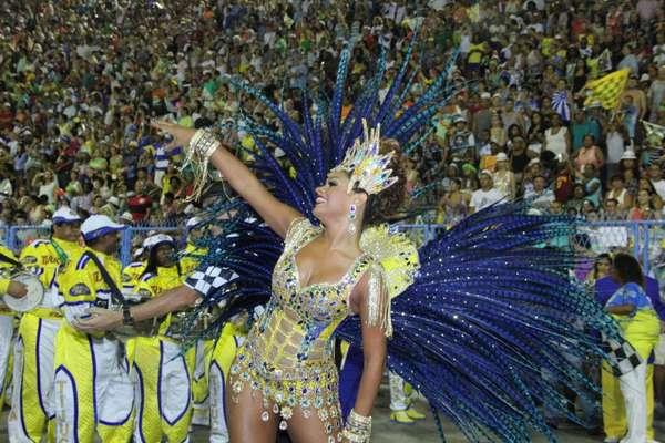 A atriz Juliana Alves foi a rainha de bateria da Unidos da Tijuca no desfile que deu o título de campeã do Carnaval de 2014 à agremiação