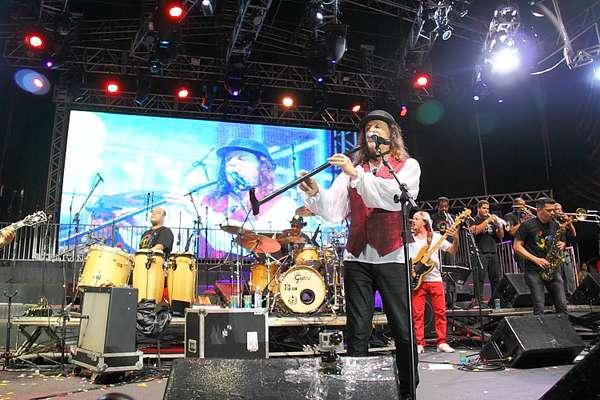 Alceu Valença se apresentou, na noite da última terça-feira (4), no Marco Zero do Recife
