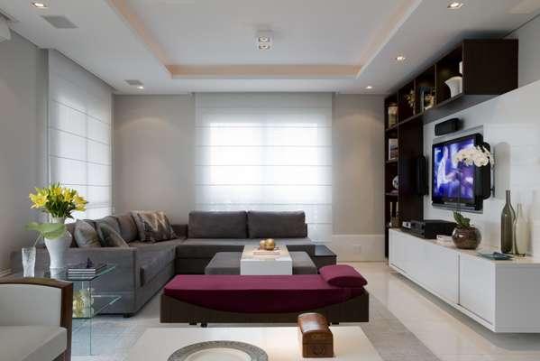 """O arquiteto Marcelo Rosset projetou do zero este apartamento no bairro de Santa Cecília, em São Paulo. """"Peguei o projeto logo depois da construção e os proprietários um jovem casal me deu liberdade total para criar"""", conta. Informações: (11) 3258-5905"""