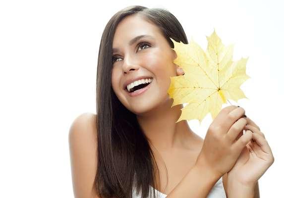 Naturalmente mais seco, o outono pode provocar uma sensação de desconforto na pele, além de facilitar o seu ressecamento