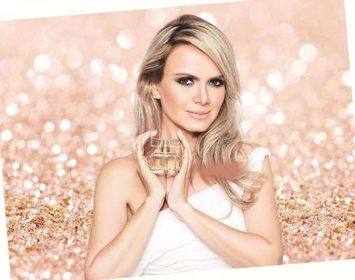 A apresentadora Eliana já tem um perfume para chamar de seu. Em parceria com a marca Jequiti, ela assina uma fragrância romântica, que acaba de ser lançada no mercado