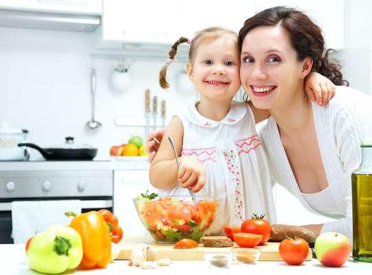 É conveniente conciliar o complemento alimentar a uma dieta equilibrada, variada e fracionada