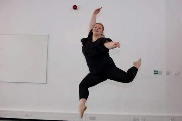 Tiffany Broadfoot fez faculdade de dança, mas os quilos a mais a impediram de encontrar um emprego na área