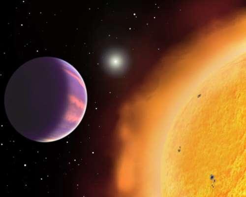 HAT-P-1 b tem cerca da metade da massa de Júpiter, mas é cerca de 1,76 vezes mais largo e 24% maior do que se pensava