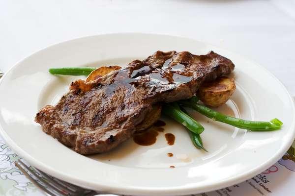 Carne: a proteína é importante para a formação e manutenção dos órgãos, tecidos e células