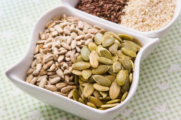 Por trazer benefícios à saúde, sementes como a chia e a linhaça podem ser adicionadas ao cardápio de crianças e adolescentes