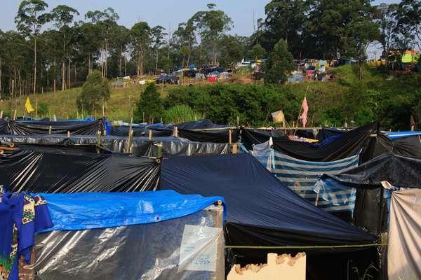 5 de maio - Integrantes do MTST continuam ocupação de terreno próximo à Arena Corinthians