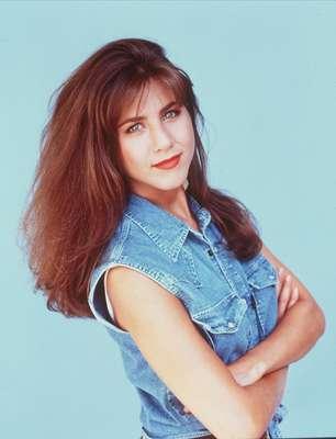 El estilo de la popular Jennifer Aniston, Rachel de Friends, ha ido mejorando desde sus inicios hasta el día de hoy.