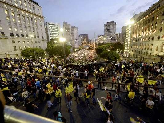 Segundo a Polícia Militar, 5 mil manifestantes participaram do protesto