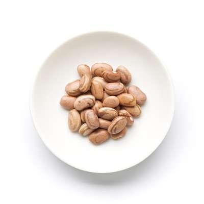 O feijão carioca faz parte do grupo das leguminosas e é fonte de nutrientes