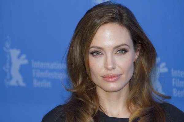 Considerada uma das mulheres mais lindas e polêmicas do planeta, a estrela de Hollywood possui cuidados de beleza curiosos