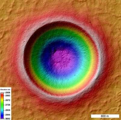 A agência espacial abriu para os internautas a possibilidade de votar na melhor imagem da Lua, registradas pela sonda espacial LRO. Conheça as imagens que estão concorrendo.