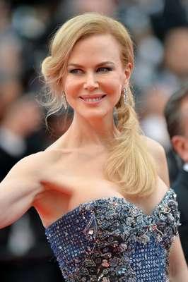 Um dos truques para fazer a pele igual à de Nicole Kidman é limpá-la e hidratá-la antes da base