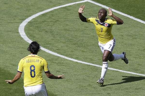 Aos 4 minutos do primeiro tempo, a Colômbia abriu o placar contra a Grécia, com Armero