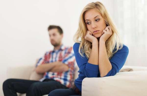 A veces por temor a parecer paranoica, dependiente, pesada o arrebatada nos callamos muchas cosas dentro de una relación. Sin embargo, si realmente buscamos una relación estable y armoniosa, no debes hacerte de 'la vista gorda', en esta serie de cosas: