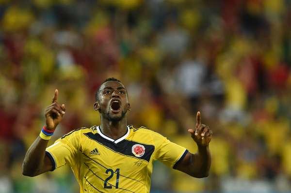 Autor de dois gols colombianos na vitória por 4 a 2 sobre o Japão, Martínez vibra na Arena Pantanal, em Cuiabá. A equipe sul-americana termina a primeira fase da Copa do Mundo com 100% de aproveitamento e pega o Uruguai nas oitavas de final.