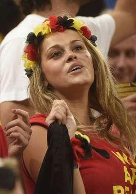 Torcedora da Bélgica comemora a vitória contra a Coreia do Sul, por 1 a 0, que garantiu a classificação para as oitavas de final.