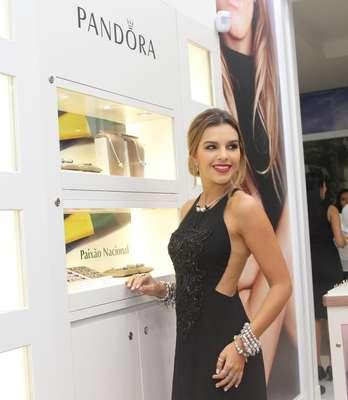 A atriz Mariana Rios esteve, na noite desta quinta-feira (26), em Barueri, região metropolitana de São Paulo, como convidada especial da inauguração de nova unidade da joalheria Pandora no Shopping Tamboré