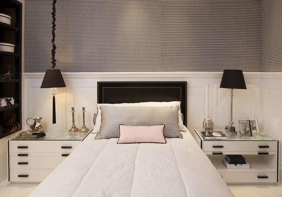 A estilista Coco Chanel foi a inspiração para a decoração de um quarto single criado pela estilista Elaine Ramos