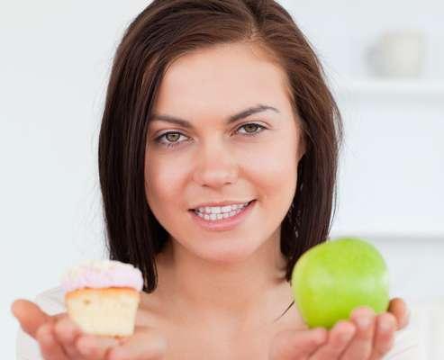 Siempre debemos mantener una dieta sana y equilibrada para conservar el organismo en un buen estado y, en el caso de la salud bucal, no hay excepciones.