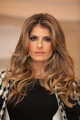 Vaidosa, a apresentadora de 35 anos divide com suas centenas de seguidores na internet o ritual de beleza que adota diariamente