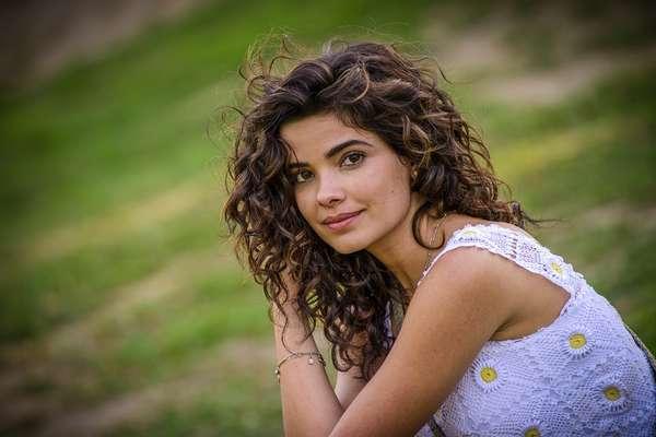 Vanessa Giácomo investiu em mechas claras discretas