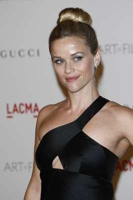 Reese Witherspoon apostou no coque bem preso
