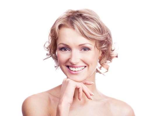 Nesta fase da vida, muitas mulheres começam a perceber a transformação das linhas de expressão em pequenas rugas, que ficam visíveis, mesmo com o músculo facial em repouso