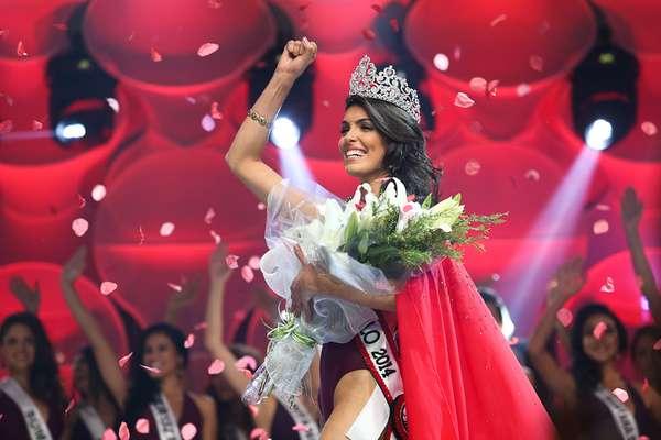 Fernanda Roberta Leme, 21 anos, Miss Ribeirão Preto, foi eleita a mulher mais bonita do Estado de São Paulo, na noite deste sábado (9)